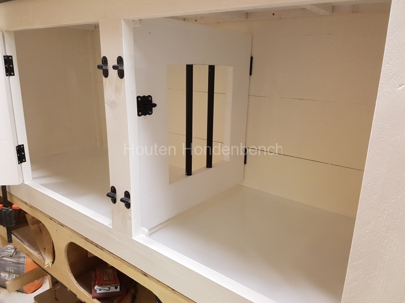 Houten hondenbench dressoir meubel binnenzijde