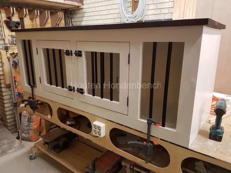 Houten hondenbench dressoir meubel in wit met bruin