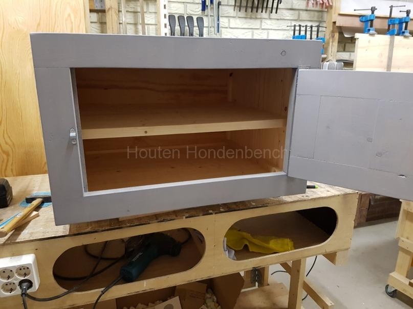 Houten kastje in Grey Wash met deur