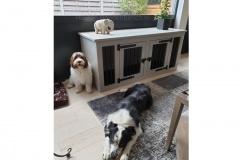 Honden-bench-woonkamer-als-dressoir-meubel-voor-2-honden