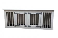 Honden-bench-woonkamer-in-licht-grijs