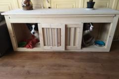 Houten Honden Bench met 2 hondjes