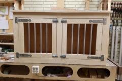 Houten hondenbench in blank steigerhout met 2 deuren en blank beslag